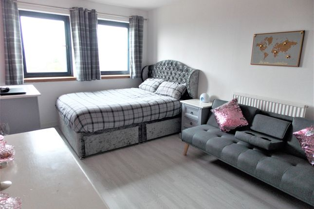 Bedroom 1 of Tannadice Street, Dundee DD3