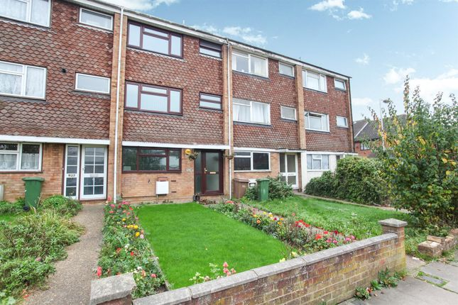 Thumbnail Town house for sale in Dallow Road, Luton