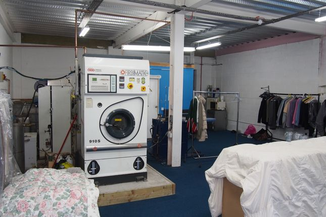 Photo 1 of Launderette & Dry Cleaners WA14, Cheshire