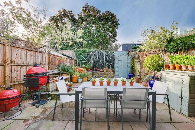 Garden of Haldon Road, London SW18
