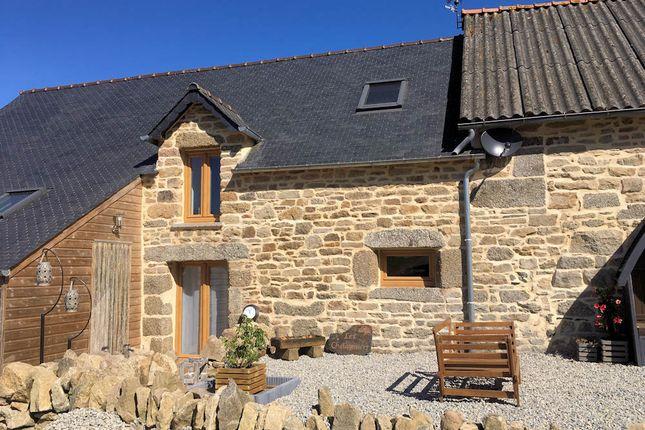 Cottage for sale in 22480, Saint-Nicolas-Du-Pélem (Commune), Saint-Nicolas-Du-Pélem, Guingamp, Côtes-D'armor, Brittany, France
