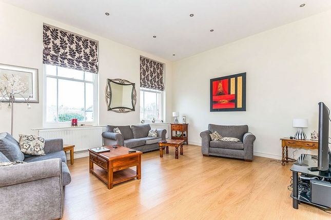 Thumbnail Flat for sale in Kings Avenue, Stone