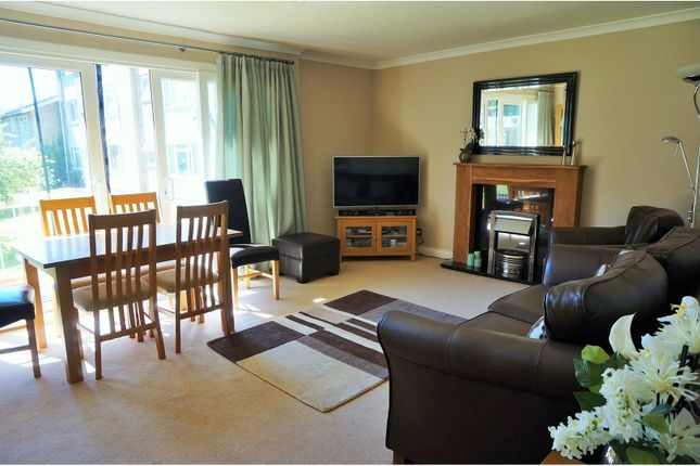 Thumbnail Flat for sale in Westcote Road, Reading