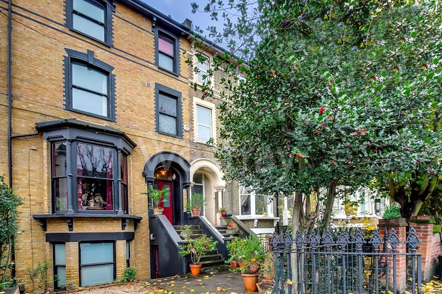 Thumbnail Terraced house for sale in Amhurst Road, Hackney