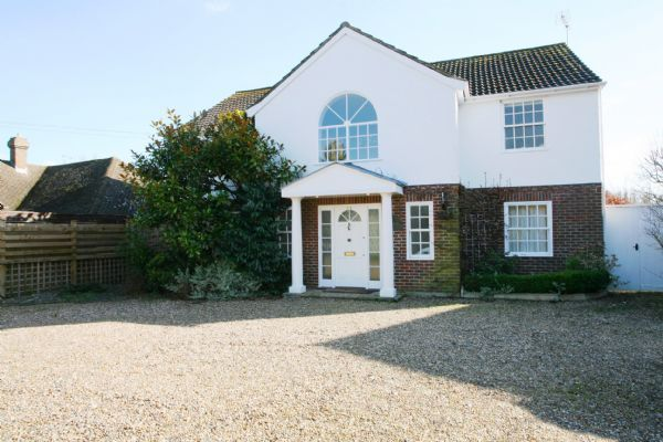 4 bed detached house to rent in Chapel Lane, Letty Green, Hertford