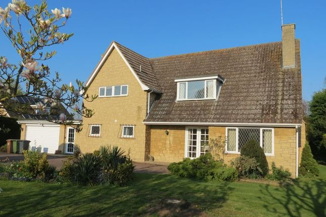 4 bedroom detached house for sale in Manor Road, Sutton, Peterborough