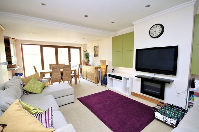 Thumbnail Bungalow to rent in Woodford Crescent, Pinner