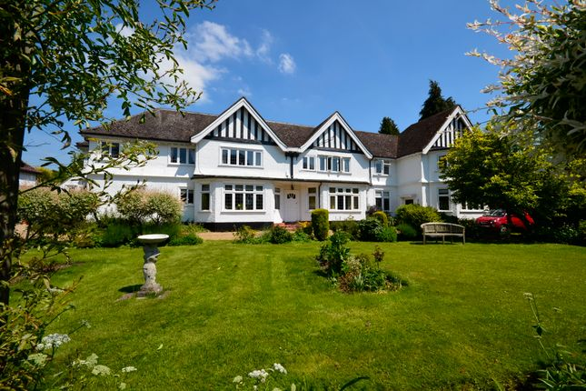 Thumbnail Flat to rent in Ballinger, Great Missenden
