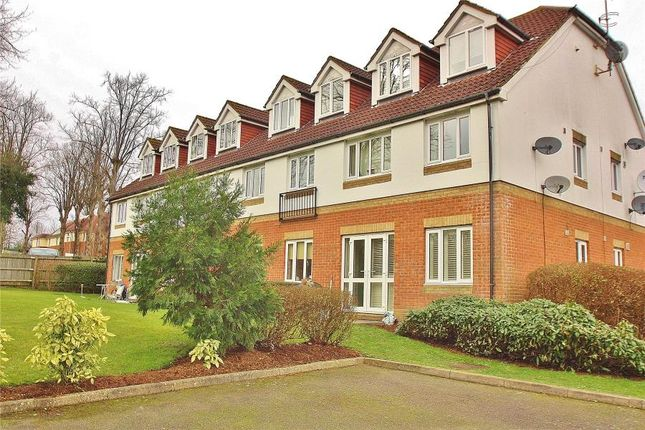 Thumbnail Flat to rent in Alexandra Gardens, Knaphill, Woking