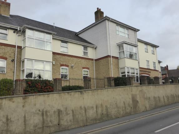 Thumbnail Flat for sale in Crown Hill, Rayleigh, Essex
