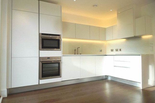 Thumbnail Flat to rent in Grayston House, London
