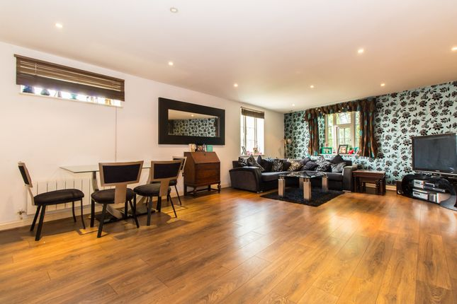 Thumbnail Flat for sale in Priory Avenue, Southend-On-Sea