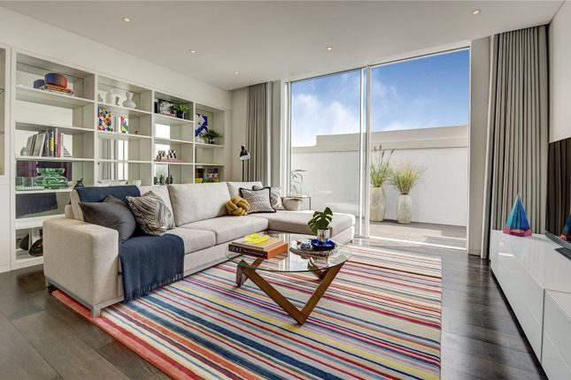 Flat for sale in Hyde Park Place, London