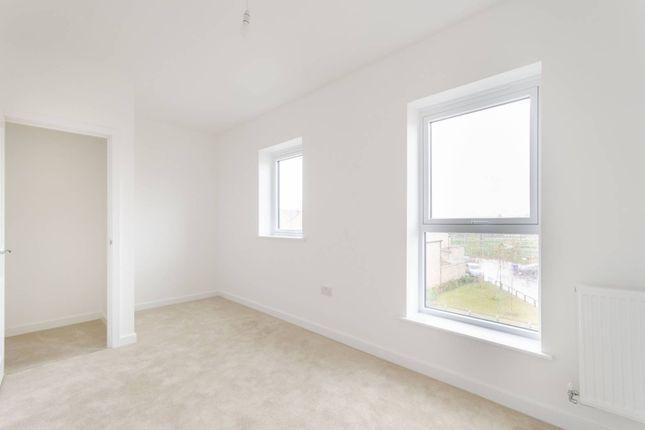 Thumbnail Property to rent in Fenton Road, Harrow