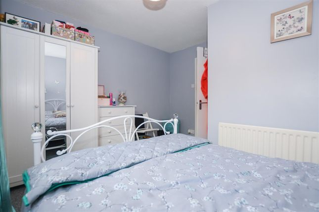 Bedroom of Lambourne Rise, Bottesford, Scunthorpe DN16