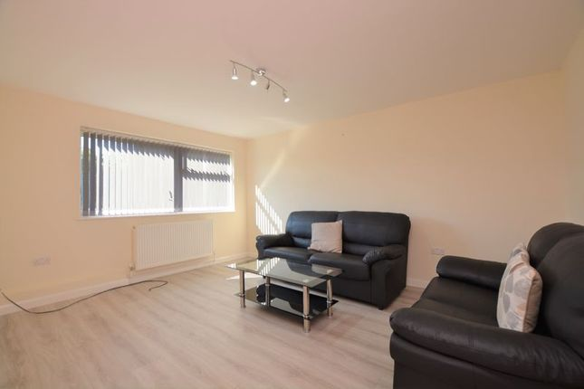 3 bed end terrace house to rent in Crown Meadow, Colnbrook, Slough SL3