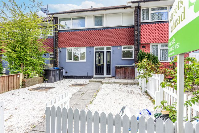 3 bed terraced house to rent in College Green, London SE19