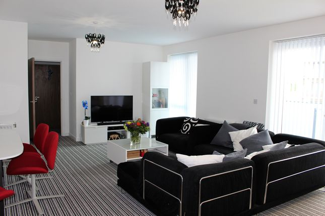 2 bed flat to rent in Steven Tuckwell House, Barking