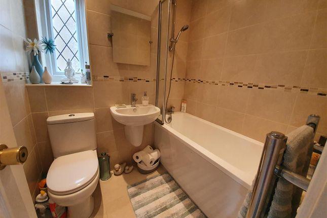 Bathroom of Boveridge Gardens, Bournemouth BH9