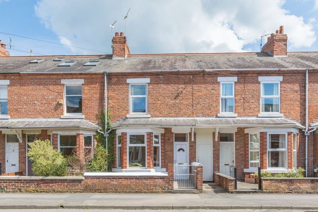 Thumbnail Terraced house to rent in First Avenue, York