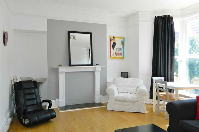 Gwydr Crescent, Uplands, Swansea SA2