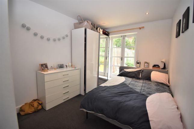 Thumbnail Flat to rent in Avery Hill Road, London