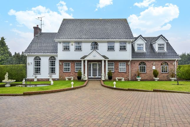 Thumbnail Detached house to rent in Thorn Crest, Lewes Road, Ridgewood, Uckfield