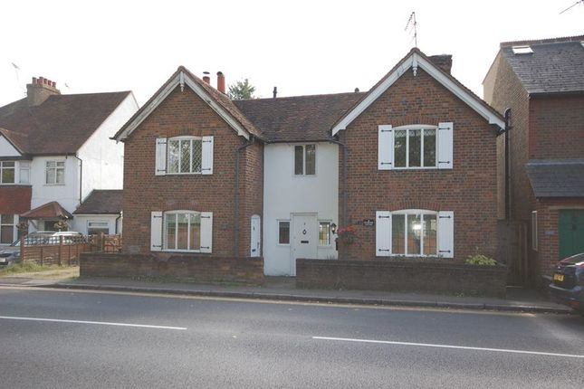 Thumbnail Terraced house to rent in Uxbridge Road, Rickmansworth