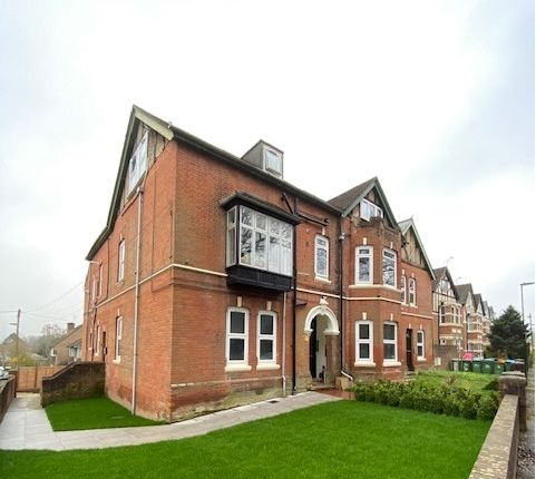 Find 3 Bedroom Flats And Apartments To Rent In Southampton Zoopla