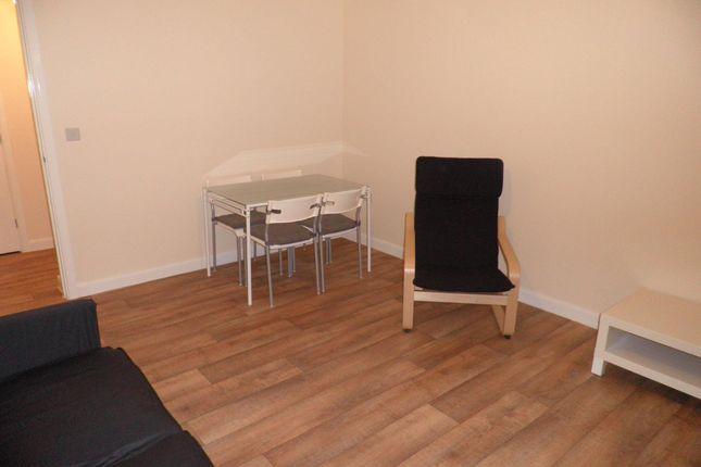 Living Room of Poppleton Close, Coventry CV1
