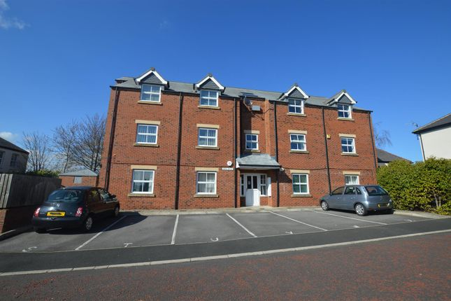 Thumbnail Flat to rent in Redhills Lane, Crossgate Moor, Durham