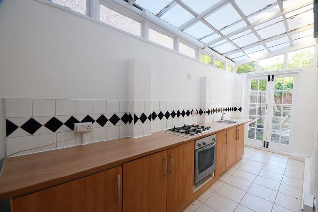 Thumbnail Terraced house to rent in Siddons Road, Forest Hill, London