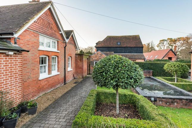 Picture 13 of Firgove Manor, Firgrove Road, Hook RG27