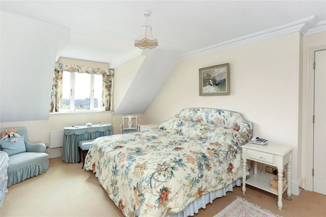 Picture No. 12 of Whitwell Hatch, Scotland Lane, Haslemere, Surrey GU27