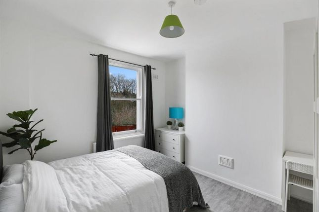 Lyndhurst Grove, London SE15