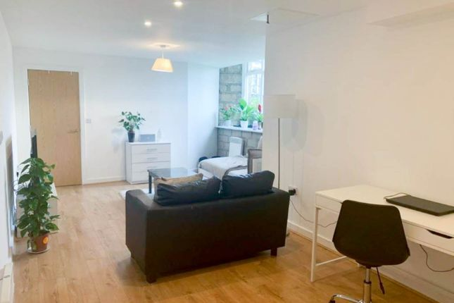 Flat for sale in Rivermill Court, 1 Sandford Place, Leeds