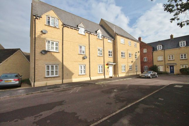 Thumbnail Flat for sale in Cherry Tree Way, Carterton