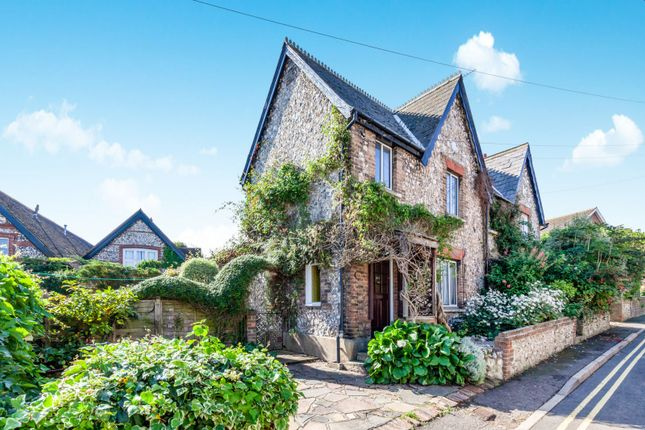 Thumbnail Cottage to rent in Bradford Street, Eastbourne
