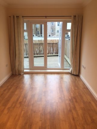 Thumbnail Flat to rent in Selsdon Road, South Croydon