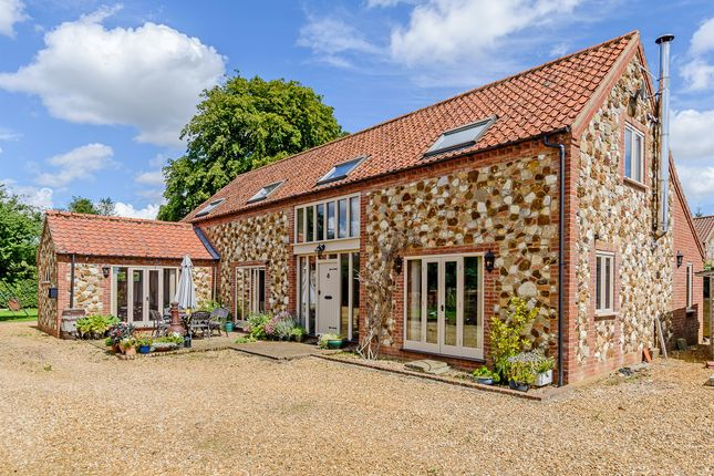 Thumbnail Barn conversion for sale in Chequers Road, Grimston, King's Lynn