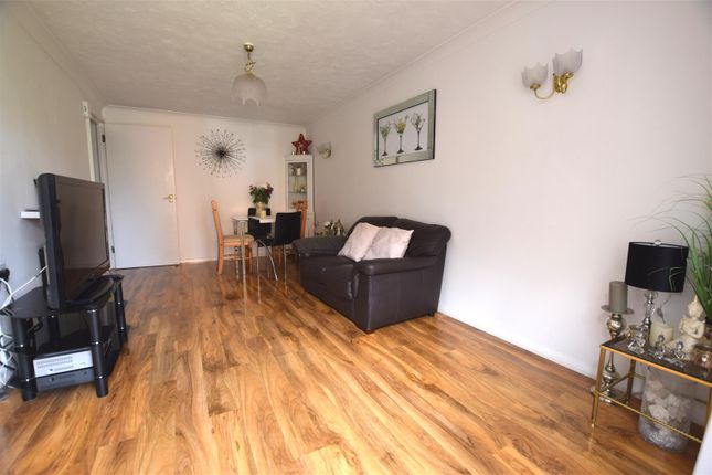 Lounge 2 of Portland Close, Chadwell Heath, Romford RM6