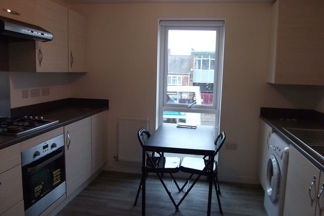 Thumbnail Flat to rent in Corporation House, Foleshill Road, Coventry