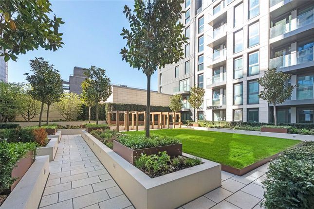 Thumbnail Flat for sale in Badon Road, Hammersmith