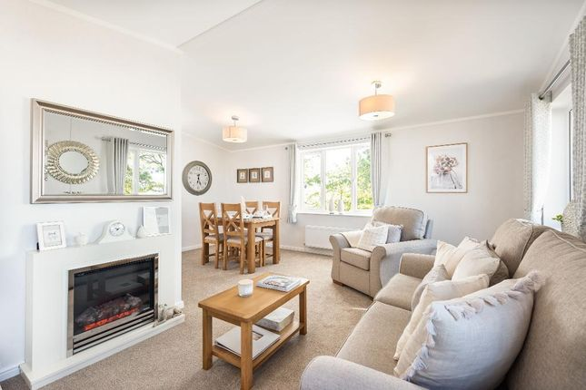 2 bed mobile/park home for sale in Candys Lane, Wimborne, Dorset BH21