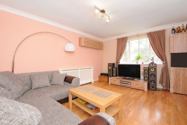 1 bed flat to rent in Waterloo Rise, Reading