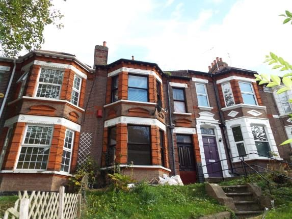 Thumbnail Terraced house for sale in London Road, Luton, Bedfordshire