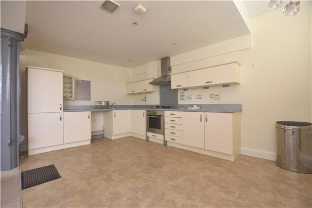 Thumbnail Flat to rent in Morland House, Coopers Lane, Abingdon, Oxfordshire