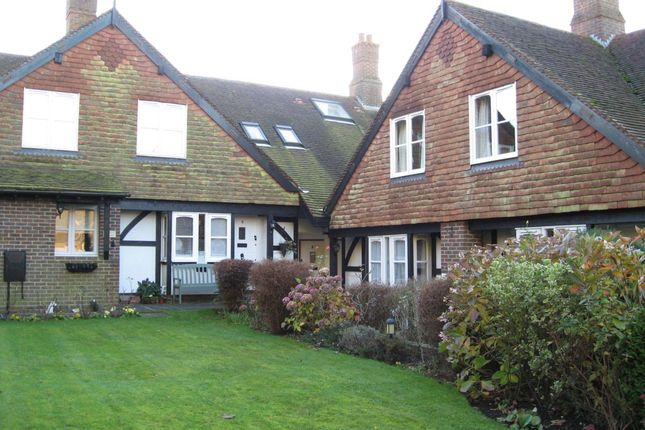 2 bed mews house to rent in Moons Yard, Church Road, Rotherfield, Crowborough TN6