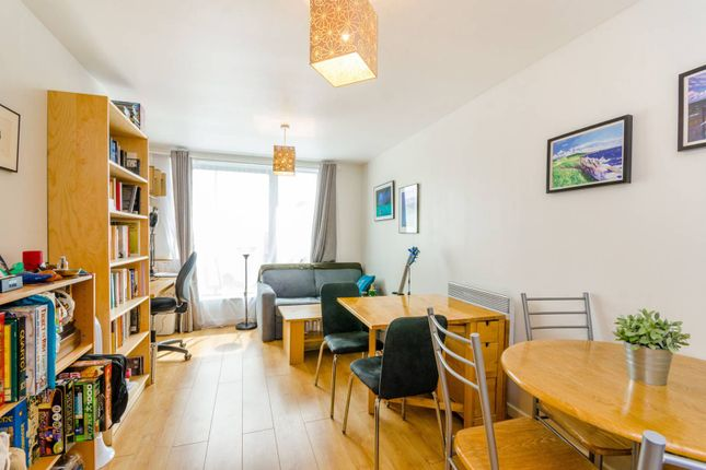 Thumbnail Flat to rent in High Street, Stratford