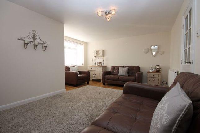 Sitting Room of Freeborn Close, Kidlington OX5